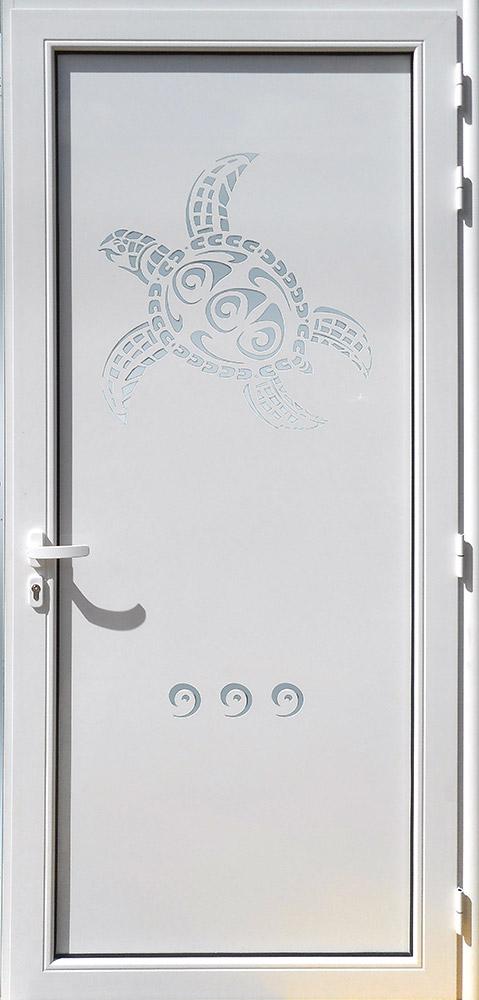 Porte d'entrée décor Tortue en aluminium et verre stopsoleil MG ALUMINIUM