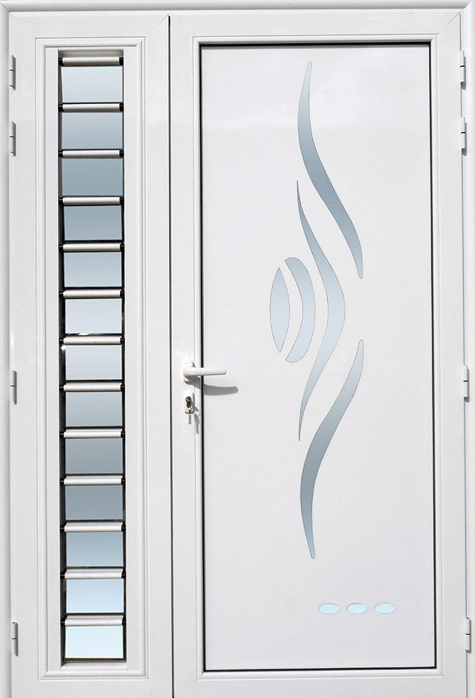 Porte d'entrée décor Sanza avec jalousie en aluminium et verre opale MG ALUMINIUM