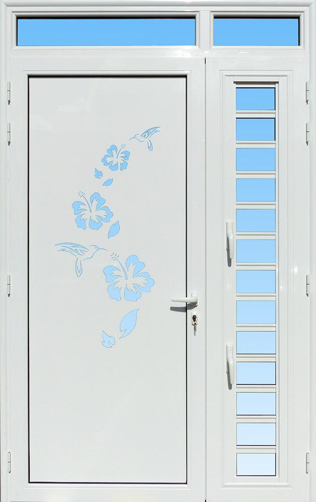 Porte décor Colibris en aluminium, vitrage clair, imposte et jalousie MG ALUMINIUM